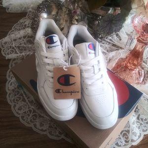 Champion white super C court logo sneakers